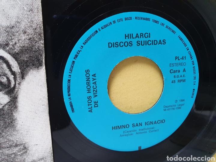 Discos de vinilo: AHV. EN NAVIDAD TAMBIEN COMEMOS. SINGLE 1986. HILARGI DISCOS SUICIDAS. - Foto 3 - 213150670