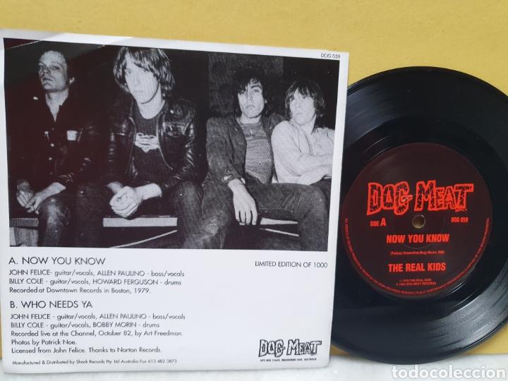 Discos de vinilo: THE REAL KIDS. NOW YOU KNOW. WHO NEEDS YA. DOG MEAT RECORDS. EDICION LIMITADA 1000. SINGLE 1994. - Foto 2 - 213187513