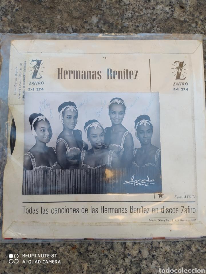 Discos de vinilo: Hermanas Benítez –Pide / Mil Violines / ep vinilo. Incluye foto con autógrafos del Grupo. - Foto 2 - 213457511