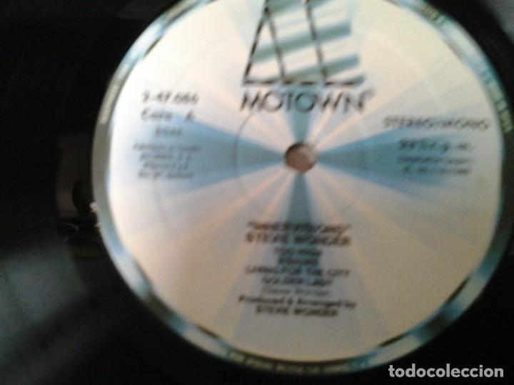 Discos de vinilo: STEVEI WONDER -INNER VISIONS- LP MOTOWN 2-47.086 ED. ESPAÑOLA GATEFOLD SLEEVE MUY BUENAS CONDICIONES - Foto 2 - 213555577