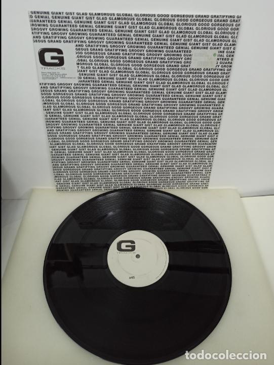 Discos de vinilo: MAXI SINGLE DISCO VINILO SYNCHRO ILLOGICAL SIMMETRY 2004 - Foto 2 - 213643476