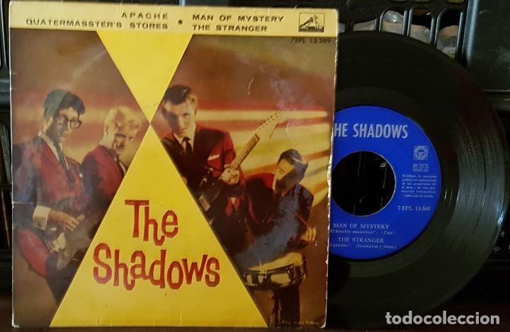 THE SHADOWS - APACHE - TIENE FIRMAS EN LA PARTE DE ATRÁS (Música - Discos de Vinilo - EPs - Pop - Rock Extranjero de los 70)