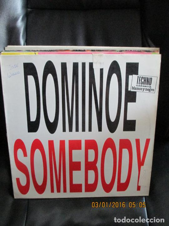 DOMINOES ?– SOMEBODY (Música - Discos de Vinilo - Maxi Singles - Techno, Trance y House)