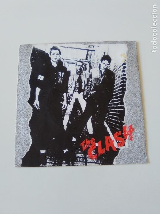 THE CLASH REMOTE CONTROL / LONDON'S BURNING ( 1977 CBS UK ) (Música - Discos - Singles Vinilo - Punk - Hard Core)
