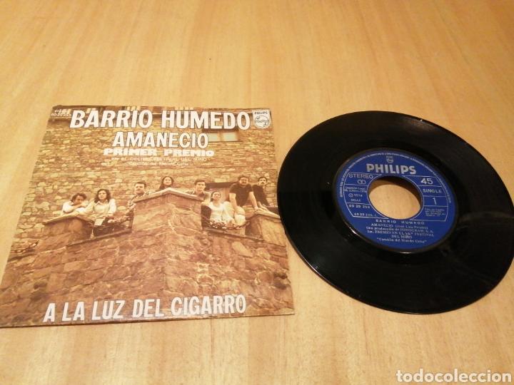 BARRIO HÚMEDO. AMANECIÓ. A LA LUZ DEL CIGARRO. (Música - Discos - Singles Vinilo - Country y Folk)
