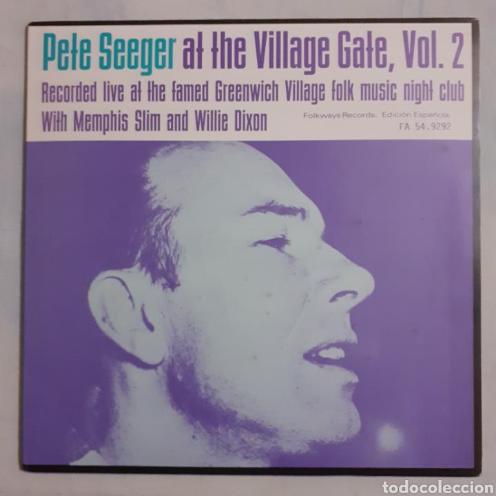 PETE SEEGER AT THE VILLAGE GATE. VOL. 2. FA 54.9292. ESPAÑA 1984. (Música - Discos - LP Vinilo - Country y Folk)