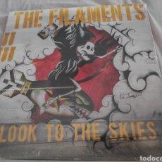 Discos de vinilo: ÁLBUM LP DISCO VINILO THE FILAMENTS LOOK TO THE SKIES NUEVO. Lote 215032502