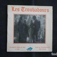 Discos de vinilo: LES TROUBADOURS COLCHIQUES DANS LES PRES, DISC AZ EP 1207, MADE IN FRANCE. Lote 215112815