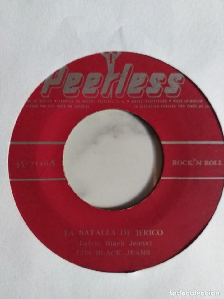 LOS BLACK JEANS LA BATALLA DE JERICO / LA CUCARACHA LATIN R'N'R MUY RARO ORIGINAL MEXICO 196? VG+ (Música - Discos - Singles Vinilo - Rock & Roll)