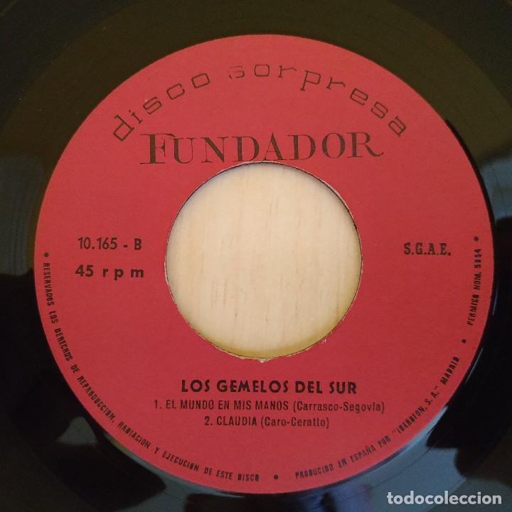 Discos de vinilo: LOS GEMELOS DEL SUR - CUMBIA MORENA / VENTANAS / CLAUDIA + 1 EP FUNDADOR 1969 BUEN ESTADO - Foto 3 - 215433545