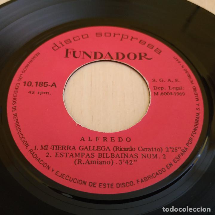 Discos de vinilo: ALFREDO - MI TIERRA GALLEGA / LA ALEGRIA DE PAMPLONA + 2 - EP FUNDADOR DEL AÑO 1969 MUY BUEN ESTADO - Foto 2 - 215444153