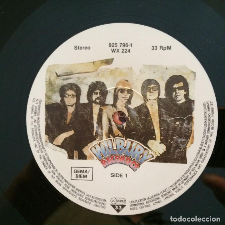 Discos de vinilo: Traveling Wilburys – Volume One Europe 1988 WILBURY RECORDS - Foto 5 - 215706491