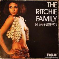 Discos de vinilo: THE RITCHIE FAMILY - EL MANISERO + LET'S POOL - SINGLE VINILO 1976. Lote 215973176