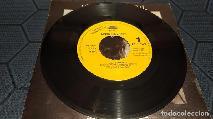 Discos de vinilo: NIÑOS DEL BRASIL - LOTE DE 3 MAXISINGLES Y 5 SINGLES PROMOCIONALES - 1989-1993 - HÉROES DEL SILENCIO - Foto 30 - 216757007