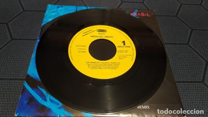 Discos de vinilo: NIÑOS DEL BRASIL - LOTE DE 3 MAXISINGLES Y 5 SINGLES PROMOCIONALES - 1989-1993 - HÉROES DEL SILENCIO - Foto 34 - 216757007