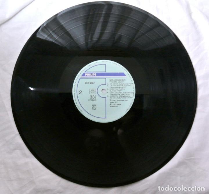 Discos de vinilo: NANA MOUSKORI TIERRA VIVA, DISCO VINILO LP, POLYGRAM, 1987 - Foto 3 - 217330096