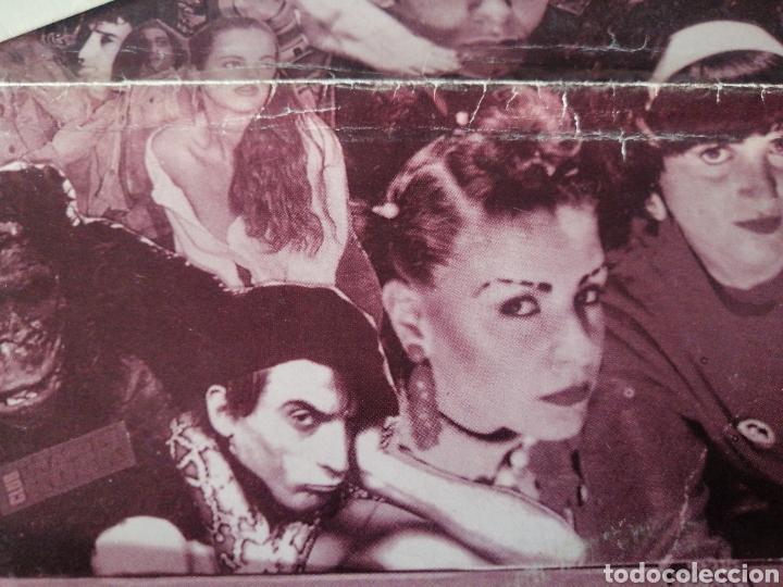 Discos de vinilo: EP + PÓSTER RAREZA DIEZ AÑOS DE SINTONÍA DIARIO POP ESTO NO ES HAWAII LOQUILLO ALASKA RADIO FUTURA - Foto 3 - 217357873