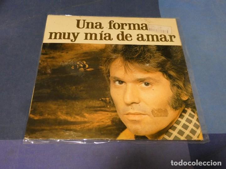 EXPRO LP RAPAHEL UNA FORMA MUY MIA DE AMAR 1978 VINILO CORRECTO LABEL GASTADO (Música - Discos - LP Vinilo - Pop - Rock - Extranjero de los 70)