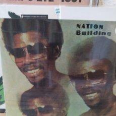Discos de vinilo: BERKELY IKE JONES - NATION BUILDING. LP VINILO PRECINTADO AFROBEAT. Lote 217625467