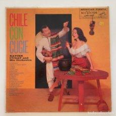 Discos de vinilo: XAVIER CUGAT AND HIS ORCHESTRA – CHILE CON CUGIE CANADA 1950 RCA VICTOR. Lote 217642642