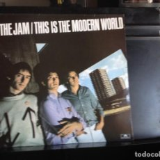 Discos de vinilo: THE JAM - THIS IS THE MODERN WORLD (ROCK, MOD, PUNK) LP MADE IN SPAIN REISSUE 1984. NM - NM. Lote 217970085