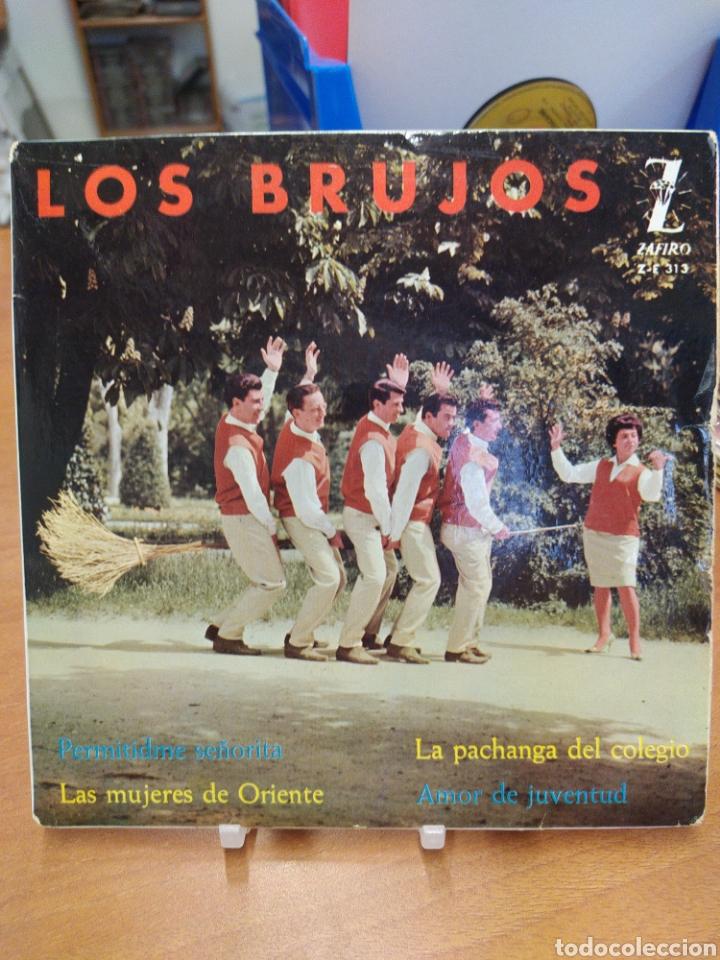 LOS BRUJOS. PERMITIDME SEÑORITA/ LA PACHANGA DEL COLEGIO. EP SPAIN 1962. (Música - Discos de Vinilo - EPs - Grupos Españoles 50 y 60)