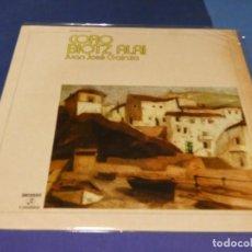 Discos de vinilo: EXPRO LP FOLK VASCO CORO BIOTZ ALAI JUAN JOSE GAINZA PORTADA AMARILLEA VINILO MUY BIEN 1972. Lote 218056805