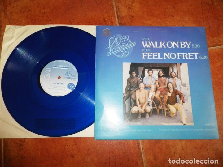 Discos de vinilo: AVERAGE WHITE BAND Walk on by MAXI SINGLE VINILO COLOR AZUL DEL AÑO 1979 UK 2 TEMAS - Foto 2 - 218082277