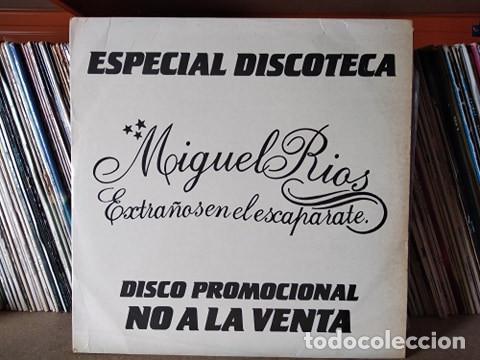 MIGUEL RIOS - EXTRAÑOS EN EL ESCAPARATE +3 - MAXI PROMOCIONAL (Música - Discos de Vinilo - Maxi Singles - Solistas Españoles de los 70 a la actualidad)