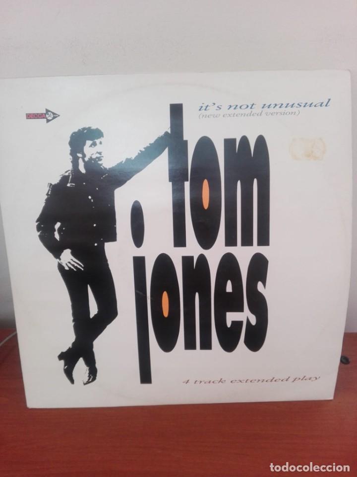 TOM JONES .. - IT´S NOT UNUSUAL (NEW EXTENDED VERSION) - MAXI 1987 -4 TRACK EXTENDED PLAY (Música - Discos de Vinilo - Maxi Singles - Pop - Rock Extranjero de los 70)