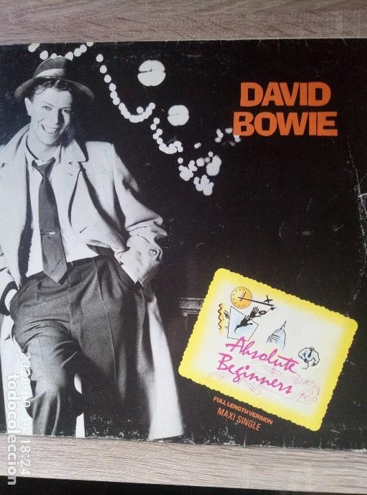 DAVID BOWIE ABSOLUTE BEGINNERS MAXI SINGLE VINILO ED ESPAÑA 1986 UN POCO DETERIORADO. VER FOTOS (Música - Discos de Vinilo - Maxi Singles - Pop - Rock - New Wave Extranjero de los 80)