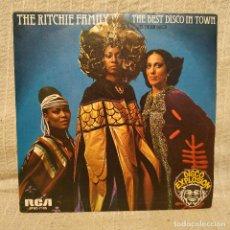 Discos de vinilo: THE RITCHIE FAMILY - THE BEST DISCO IN TOWN - SINGLE RCA DEL AÑO 1976 EN EXCELENTE ESTADO. Lote 218324256