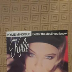 "Discos de vinil: KYLIE MINOGUE – BETTER THE DEVIL YOU KNOW SELLO: CBS 656009 7 FORMATO: VINYL, 7"", 45 RPM, SINGLE+. Lote 218903275"