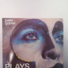 Discos de vinilo: 2XLP PETER GABRIEL - PLAYS LIVE (2XLP, ALBUM, RE), MUY BUEN ESTADO. Lote 219000251