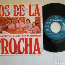 Discos de vinilo: LOS DE LA TROCHA - SEVILLANAS PENSAMIENTOS MIOS / SOY MARINERO SINGLE COLUMBIA 1976 EXCELENTE ESTADO. Lote 219002256