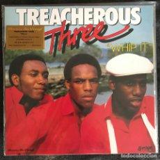 Discos de vinilo: TREACHEROUS THREE - WHIP IT (1983) - LP REEDICIÓN MUSIC ON VINYL 2020 NUEVO - COLOR. Lote 219166645