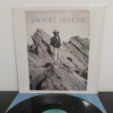 Discos de vinilo: DWIGHT YOAKAM. JUST LOOKIN' FOR A HIT.. Lote 219324181