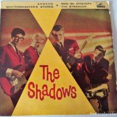 Dischi in vinile: THE SHADOWS - APACHE + 3 TEMAS LA VOZ DE SU AMO - 1961. Lote 219589501