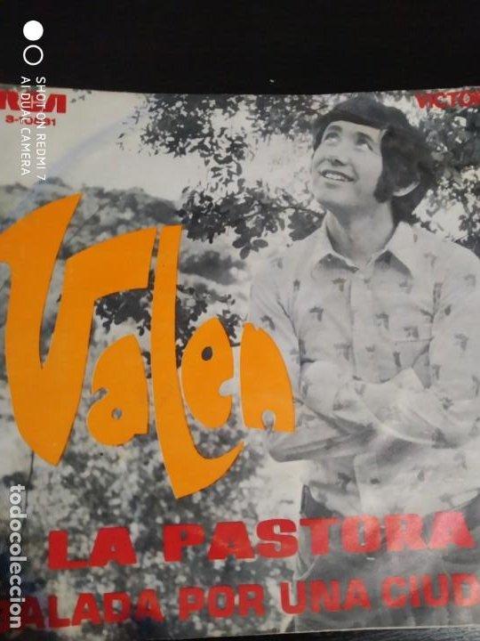 DISCO SINGLE VALEN LA PASTORA BALADA POR UNA CIUDAD AÑO 1970 COLECCION (Música - Discos - Singles Vinilo - Solistas Españoles de los 70 a la actualidad)