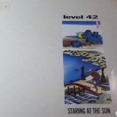 Discos de vinilo: LEVEL 42 STARING AT THE SUN. Lote 220094485