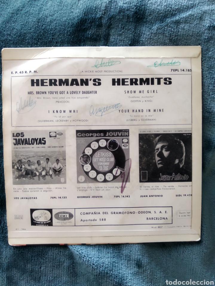 Discos de vinilo: HERMANS HERMITS SHOW ME GIRL MRS.BROWN 1965 - Foto 2 - 220634528