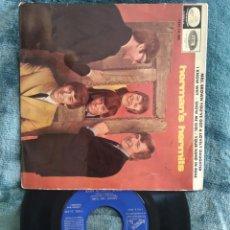 Discos de vinilo: HERMAN'S HERMITS SHOW ME GIRL MRS.BROWN 1965. Lote 220634528
