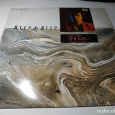 Discos de vinilo: MAXI - TRILLION FEATURING FRED BEKKY ?– STEP BY STEP - VIC-218 ( VG+/ VG+) SPAIN 1984. Lote 221236752