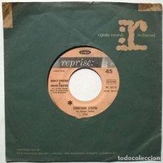 Discos de vinilo: NANCY & FRANK SINATRA. SOMETHIN STUPID/ SOMEWHERE MY LOVE. REPRISE, FRANCE 1967 SINGLE. Lote 221623042