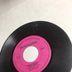 Discos de vinilo: SINGLE - DISCO SORPRESA FUNDADOR - RITMO TROPICAL DE CACHO VALDEZ. Lote 221656822