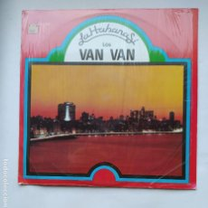 Discos de vinilo: LOS VAN VAN. JUAN FORMELL. LA HABANA SÍ -. LP. TDKDA77. Lote 221660793