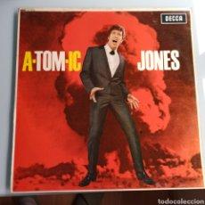 Discos de vinilo: TOM JONES - A-TOM-IC JONES (DECCA - LK 4743, UK, 1966). Lote 221779315