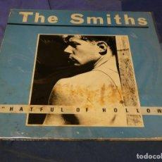 Discos de vinilo: EXPRO LP THE SMITHS HATFUL OF HOLLOW VINILO BIEN PORTADA MUY CHUNGA ALANTE Y ATRAS. Lote 221782792