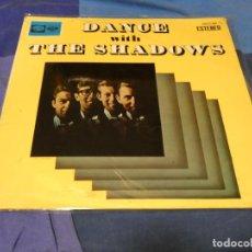 Discos de vinilo: EXPRO LP THE SHADOWS DANCE WITH 1964 ESPAÑOL BASTANTE TROTE ALGO PUEDE OIRSE. Lote 221837072