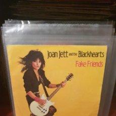 Discos de vinilo: JOAN JETT AND THE BLACKHEARTS / FAKE FRIENDS / EPIC 1983. Lote 221926286